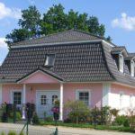 розовый фасад