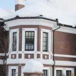 Практичная белая плитка для фасада