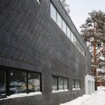 Вариант черного фасада из плитки